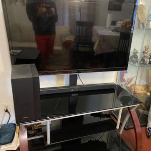 47 Inch Panasonic Viera TV with Samsung Home Theater System And TV table for Sale in Brooklyn, NY