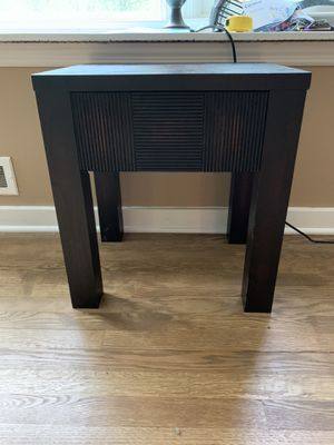2 bed side tables for Sale in Stamford, CT