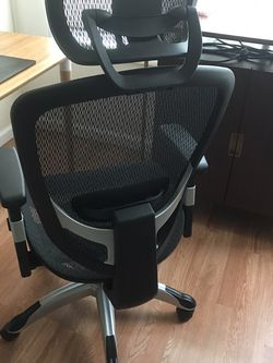Staples FlexFit™ HykenChair for Sale in Brooklyn,  NY