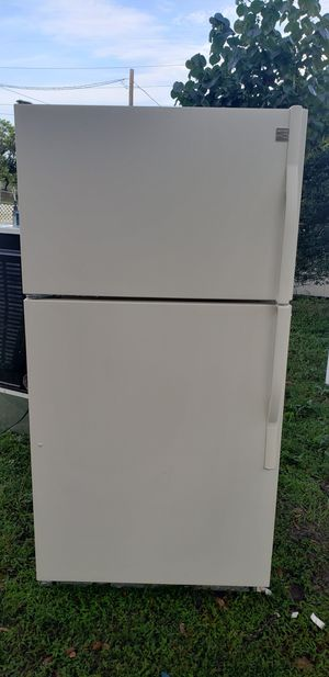 Refrigerator kenmore/delivery available for Sale in Tampa, FL