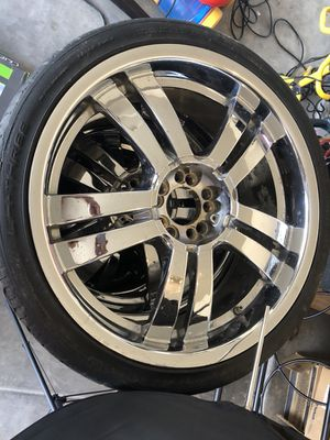 20 inch chrome rims 5lug for Sale in Phoenix, AZ