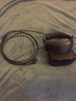 Windows Mixed Reality Samsung HMD Headset (no controllers) for Sale in Piedmont, CA