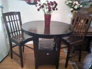 Mesa de 2 cillas de madera por $100 for Sale in Palmdale, CA