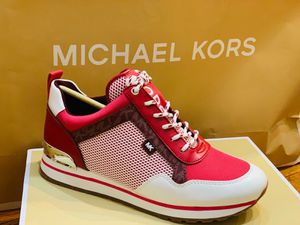 MICHAEL KORS SIZE 8.5 for Sale in Queens, NY