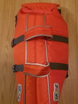 Outward Hound Lifevest For Dogs..Size Med...like New! for Sale in Ceres,  CA