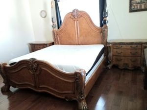 USED KING 6 PIECES BEDROOM SET ( ALL POST AVAILABLE AND IN WORKING CONDITION) for Sale in Gaithersburg, MD