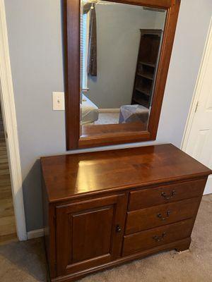Eddie Bauer Dresser w/ Mirror for Sale in Greensboro, NC
