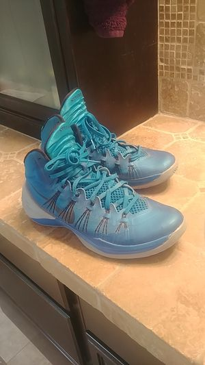 Nike Hyperdunk size 11 sneakers for Sale in San Juan Capistrano, CA