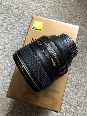 Nikkor AF-S 85mm f/1.4 G Amazing Lense for Sale in Simi Valley, CA