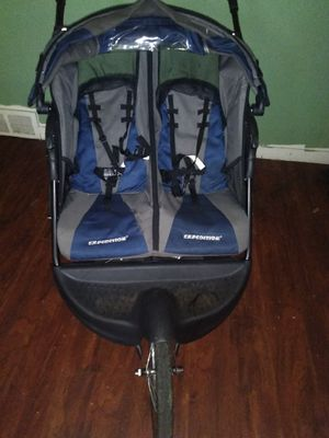 Baby Trend expedition stroller for Sale in St. Louis, MO