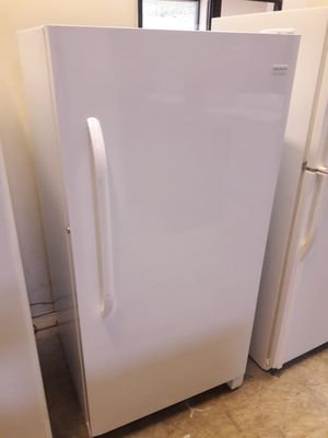 Frigidaire freezer exellent condition working perfectly clean and neat warranty and deliver for Sale in Arbutus, MD