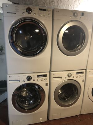 Washers and dryer excellent condition warranty for Sale in Miami, FL