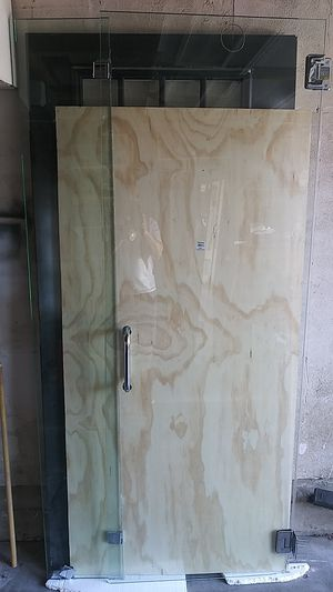 Nice shower door for Sale in Oakland, CA