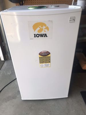 "Kenmore mini fridge/freezer- 32.5"" high for Sale in Renton, WA"