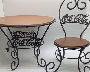 Vintage Coca Cola Novelty Table And Chair for Sale in Miami,  FL