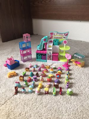 46 Shopkins with Playset for Sale in San Diego, CA