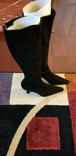Stuart Weitzman Bootiful size M6.0 Black suede knee-high heeled boots for Sale in King of Prussia, PA