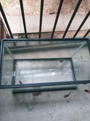 10 gallon Fish tank for Sale in Cedar Hill, TX