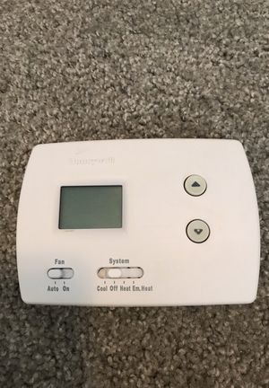 Honeywell Thermostat for Sale in Chesapeake, VA