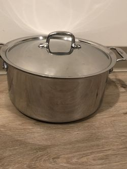 Williams Sonoma All-Clad d5 Stainless-Steel Stock Pot- 8 Quart! for Sale in Portland,  OR