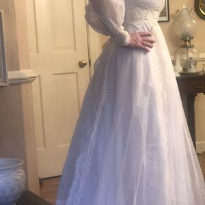 Vintage Wedding Dress Size 4 for Sale in Greenville, SC