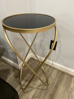 End table for Sale in Ashburn, VA