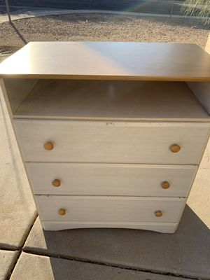 Small three drawer dresser for Sale in Phoenix, AZ