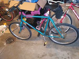 Specialized Mountain Bike (Tall) for Sale in Valley View, OH