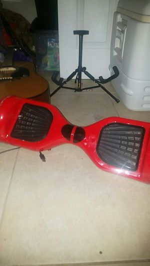 RED HOVERBOARD WORKS 100% NO CHARGER for Sale in Hialeah, FL