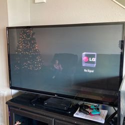 """32"""" By 54"""" LG Tv for Sale in Columbia,  MO"""