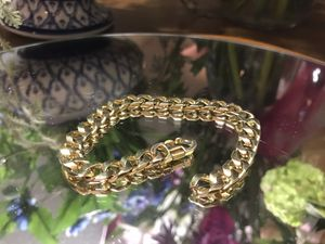 Beautiful! Gold Link chain Bracelet for Sale in Gainesville, VA