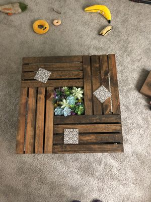 Crate coffee table for Sale in Pensacola, FL