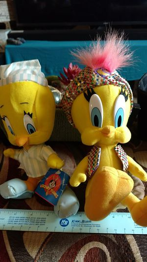 Tweety Bird Collectibles Looney Tunes Warner Brothers plush toys for Sale in Dayton, OH