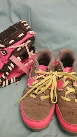 Girls size 12 softball cleats & 8 1/2 glove mit for Sale in Portland, OR