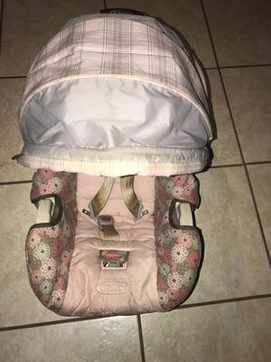 Infant car seat / carrier for Sale in Pearl, MS