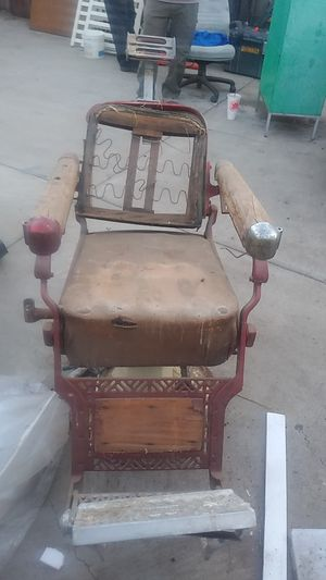 Belmont Barber chair for Sale in Hazard, CA