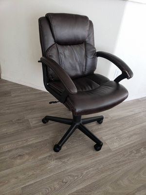 Executive Office Chair Leather for Sale in Tempe, AZ