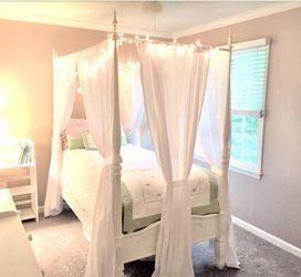 """Canopy Bed (Twin) """"Bombay Company""""- Excellent Condition, plus new bonus twin mattress!!! for Sale in Marietta,  GA"""