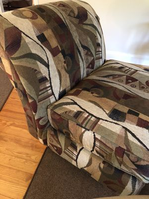 Over stuffed chair for Sale in SPARKS GLENCO, MD