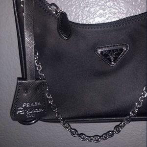 Fashion crossbody bag nylon material for Sale in Las Vegas, NV