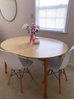 Round Wooden Table w| Leaf Extension for Sale in Reading, PA
