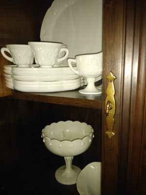 Vintage collectible milk glass collection for Sale in Oswego, IL