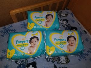 3 packs Pampers #5 for Sale in Lanham, MD