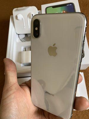 iPhone X silver like new 64gb factory unlocked (desbloqueado para todas las compañías) for Sale in Monterey Park, CA