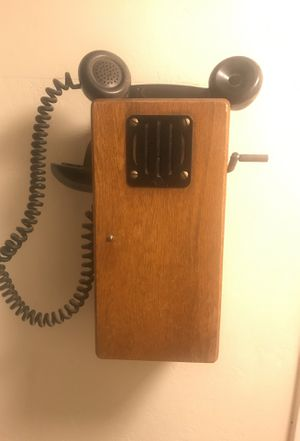 Old phone for Sale in Tempe, AZ