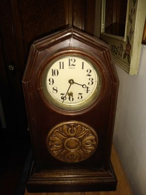 Antique clock for Sale in Sturgis, MI