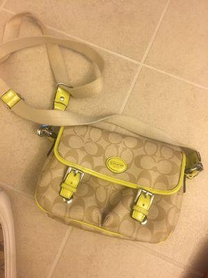 Small coach bag for Sale in Phoenix, AZ