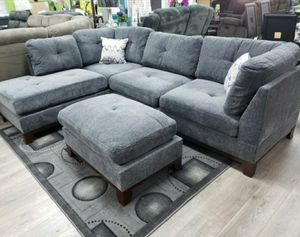 Gray sectional and ottoman 749$ for Sale in Garland, TX