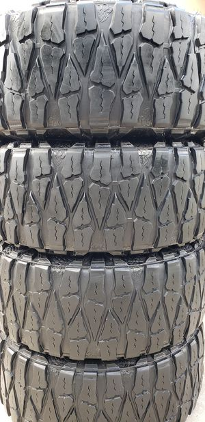 37x13.50x20 NITTO WILD GRAPPLER EXTREME TERRAIN for Sale in Tampa, FL