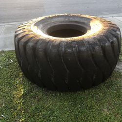 General Tire 26.5 ~25 For Training  for Sale in Fort Myers, FL